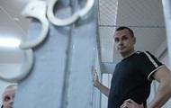 Олегу Сенцову продлили арест еще на месяц
