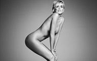 57-летняя Шерон Стоун полностью разделась для Harper's Bazaar