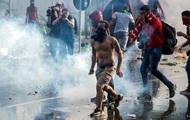 На границе Венгрии происходят столкновения мигрантов и полиции