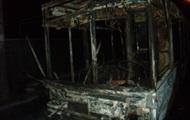 Ночью в Киеве сгорели три авто и троллейбус