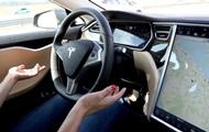 Tesla представила систему автопилота для электромобилей