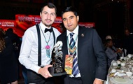 Украинскому чемпиону Постолу разрешили провести добровольную защиту титула