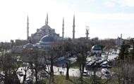 Теракт в центре Стамбула: фото дня