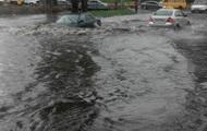 Потоп в Киеве и Порошенко во Львове: фото дня