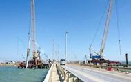Мост в Крым: началось строительство опор в море