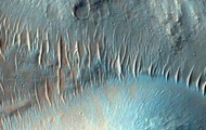 NASA опубликовало больше тысячи новых фото Марса