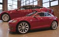 Tesla выпустила детский клон электромобиля Model S
