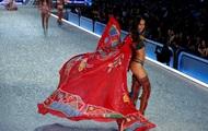 В Париже прошло ежегодное шоу Victoria's Secret