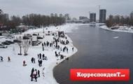 Крещение-2017: киевляне наводнили Днепр
