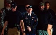 Обама сократил срок информатору Wikileaks Мэннингу