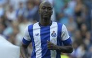 Судья удалил игрока Порту за то, что натолкнулся на него