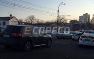 В Киеве возле лицея авто сбило трех детей
