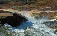 Разрушение плотины в Калифорнии: эвакуированным разрешили вернуться домой