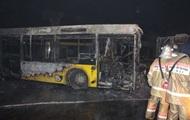 В Киеве в автопарке сгорели шесть автобусов