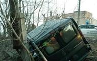 Пьяное ДТП в Киеве: Opel слетел в обрыв