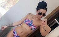 Британка спасла себе жизнь делая селфи в купальнике