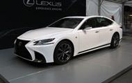 Lexus показал спортивную версию седана LS