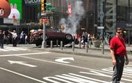 В Нью-Йорке машина въехала толпу, есть погибший