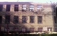 Сепаратисты обстреляли школу в Красногоровке