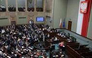 В Польше новые правила для трудоустройства украинцев