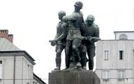 Дуда подписал закон о сносе советских памятников
