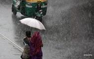 В результате наводнений в Непале погибли более 90 человек