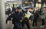 В Швеции неизвестный с ножом напал на полицейских