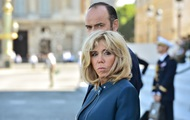 Во Франции подписали петицию против супруги Макрона