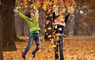 С октября у школьников начинаются осенние каникулы