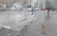 Центр Киева стал в пробке из-за прорыва трубы с горячей водой