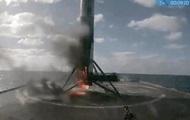 СМИ: Ракета Falcon загорелась во время приземления