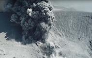 В Японии сняли с дрона извержение вулкана