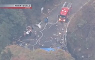 В Японии вертолет упал на мост