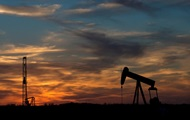 Цена на нефть Brent упала ниже $43, потянув за собой рубль