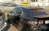 В Киеве пьяный водитель разбил пять припаркованных авто