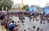 В Мьянме во время фестиваля воды погибли сотни людей
