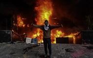 В Венесуэле подожгли здание Верховного суда