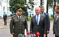 Полторак и Мэттис обсудили развитие армии Украины